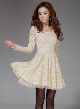 Бежевое короткое платье
