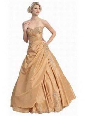 Пышное золотое платье