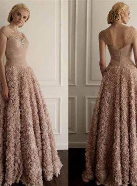 Пышное бежевое платье