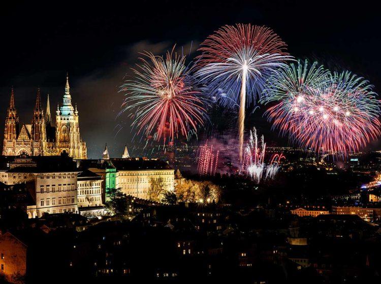 Новогодний салют в Праге